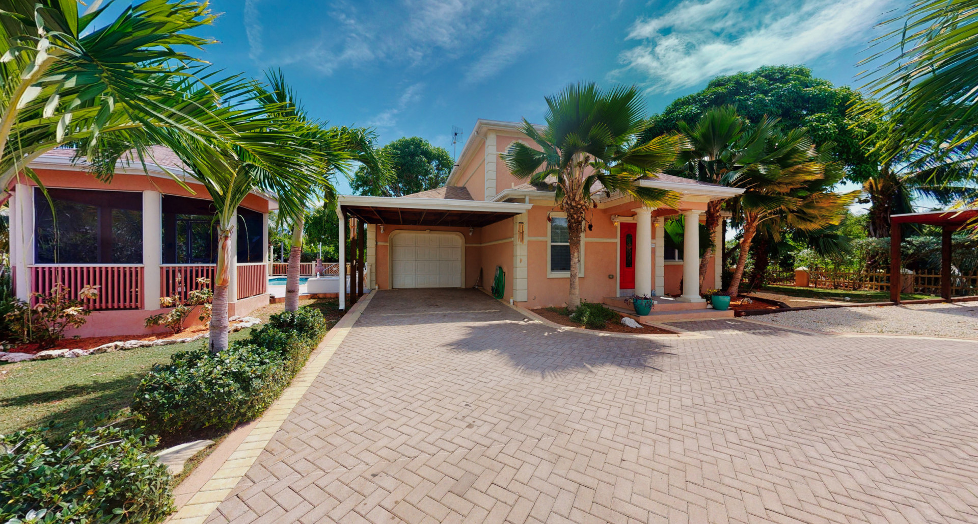RE/MAX real estate, Cayman Islands, Bodden Town, Leasehold - We have the house fo